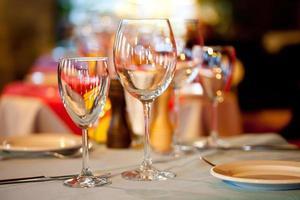 Tisch in einem Restaurant foto