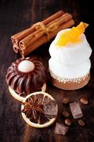 handgemachte Seife mit Kaffee und Schokolade. Körperpflege foto