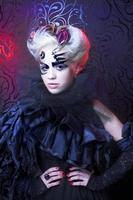 Frau in schwarz. foto