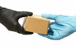 Lieferung nach Hause während der Coronavirus-Covid-19-Pandemie