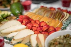 Seitenansicht von geschnittenen Früchten foto