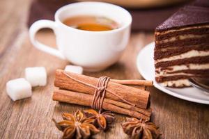 Tee mit Kuchen foto