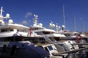 Yachten im Hafen, Genua, Italien foto