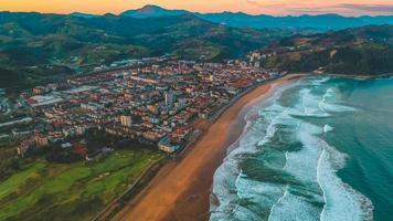 Luftaufnahme von Zarautz foto