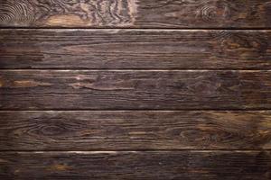 Schuppenwand aus Holzbrettern