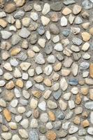 dekorative Wand mit Steinen