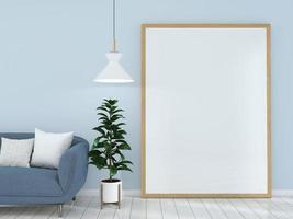 großer Bilderrahmen im blauen Wohnzimmer