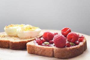 Toast mit Belag