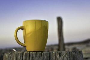 gelbe Kaffeetasse