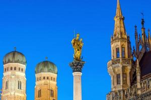 Kirchturm der Friedenssäule foto