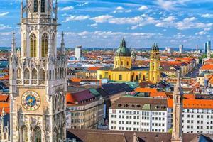 Münchner Skyline tagsüber