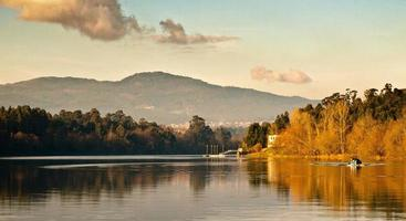 malerischer Fluss Sonnenuntergang foto