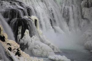 Wasserfall und Eis foto