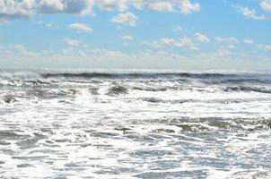 Meereswellen im Sommer foto