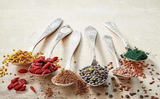 verschiedene Arten von Superfoods foto