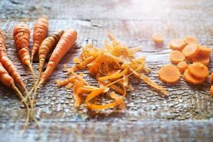 Karotte auf einem Tisch foto