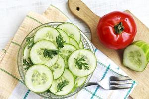Salat mit Gurke foto
