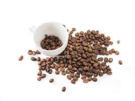 Kaffeetasse und Kaffeebohnen foto