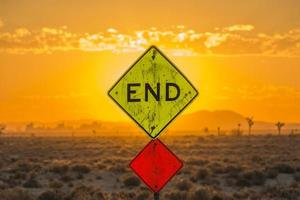 Endschild in der Wüste foto