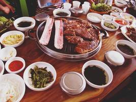 koreanische Grillmahlzeit