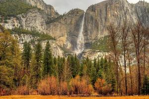 Yosemit fällt foto
