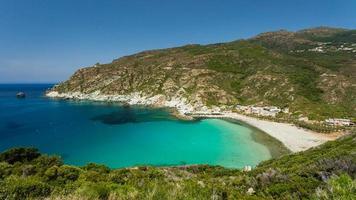 Strand ein Hafen bei Giottani auf Cap Corse in Korsika foto