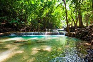 schöner Wasserfall. foto