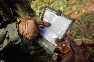 Militärroute auf der Karte definieren foto