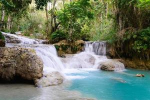 Kouangxi Wasserfall bei Luang Prabang in Laos. foto