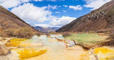 atemberaubende Aussicht im Huanglong Nationalpark foto