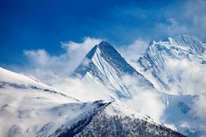 schneebedeckte Berge foto
