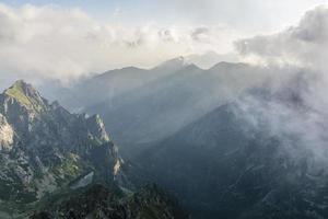 Blick auf die Berge am Morgen