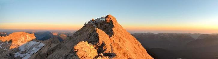 zugspitze, höchster berggipfel in den deutschen alpen
