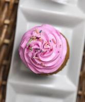 hausgemachter Cupcake foto