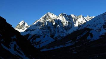 Landschaft auf dem Weg zum Cho la Mountain Pass foto