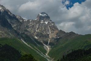 Berge, der Nordkaukasus. foto