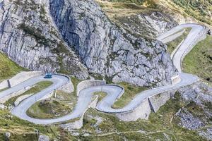 Tremola, Serpentinen zum Pass Gotthard in der Schweiz