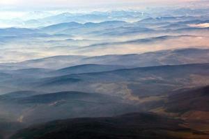 Luftaufnahme der Alpen foto