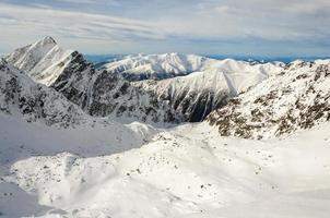 Der Winter in den Bergen ist wunderschön foto