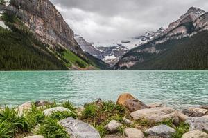 das juwel der felsigen berge in kanada, see louise foto