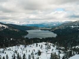Schnee auf dem Donner See foto