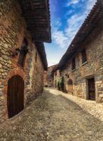 Überblick über das alte Dorf Ricetto di Candelo