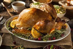 ganze hausgemachte Thanksgiving-Truthahn