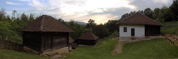 traditionelles serbisches Haus foto