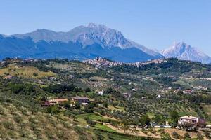 Blick auf antike Städte in den Abruzzen, Italien