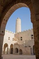 alte häuser in medina von sousse, tunesien