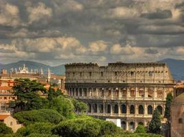 bewölktes Colosseo foto