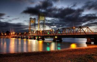 Nachtbrücke foto