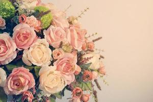 schöne Plastikblumen foto