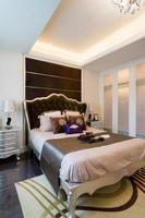 schönes Schlafzimmer foto